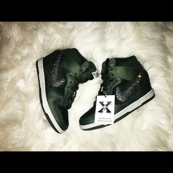 03afe16c0ff2f M 5aa862a5739d4819b037fb48. Other Shoes you may like. Nike roche run all  white